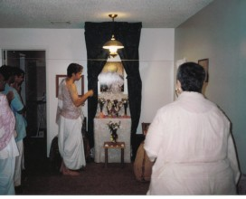 Yamuna sings Govindam at Kar's apartment in Alachua, 2002